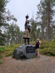 Annikki Karinimen patsas